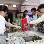 Nhà đất giá mềm rục rịch bán mua - ảnh 1